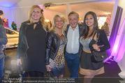 Anelia Peschev Show - Fashion Week Zelt - Di 12.09.2017 - Richard LUGNER mit Begleitungen (u.a. K�fer und Bambi)41