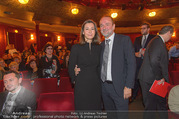 Premiere I am from Austria - Raimund Theater - Sa 16.09.2017 - Thomas DROZDA mit Ehefrau Isabella64