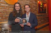Adele Neuhauser Buchpräsentation - Club Schwarzberg - Di 19.09.2017 - Julian Adam PAJZS, Niki BRANDST�TTER32