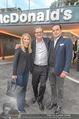 Eröffnung - McDonalds - Mo 25.09.2017 - Robert GLOCK mit Ehefrau Stefanie, Andreas SCHWERLA1