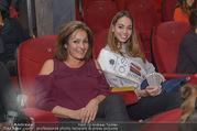 Babylon Berlin Kinopremiere - Urania Kino - Mo 02.10.2017 - Celine SCHRENK mit Mutter Anna64