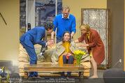 Bühnenfotos Der Gott des Gemetzels - Stadttheater Berndorf - Di 03.10.2017 - Stefano BERNARDIN, Maddalena HIRSCHAL, Alexander JAGSCH, Kristin60