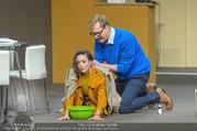 Bühnenfotos Der Gott des Gemetzels - Stadttheater Berndorf - Di 03.10.2017 - Alexander JAGSCH, Maddalena HIRSCHAL68