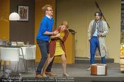 Bühnenfotos Der Gott des Gemetzels - Stadttheater Berndorf - Di 03.10.2017 - Kristina SPRENGER, Alexander JAGSCH, Stefano BERNARDIN114
