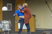 Bühnenfotos Der Gott des Gemetzels - Stadttheater Berndorf - Di 03.10.2017 - Kristina SPRENGER, Alexander JAGSCH144
