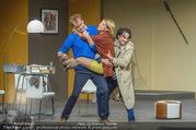 Bühnenfotos Der Gott des Gemetzels - Stadttheater Berndorf - Di 03.10.2017 - Kristina SPRENGER, Alexander JAGSCH, Stefano BERNARDIN147