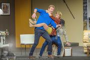 Bühnenfotos Der Gott des Gemetzels - Stadttheater Berndorf - Di 03.10.2017 - Kristina SPRENGER, Alexander JAGSCH, Stefano BERNARDIN149
