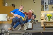 Bühnenfotos Der Gott des Gemetzels - Stadttheater Berndorf - Di 03.10.2017 - Kristina SPRENGER, Alexander JAGSCH, Stefano BERNARDIN151