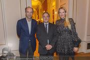 Premierenfeier und Empfang - Französische Botschaft - Mi 04.10.2017 - Fran�ois SAINT PAUL, Christoph und Eva DICHAND32