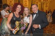 Richard Lugner 85er - Stadtpalais Liechtenstein - Sa 14.10.2017 - Christina LUGNER, Jacqueline LUGNER, Richard LUGNER (Familienfot35