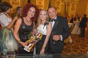 Richard Lugner 85er - Stadtpalais Liechtenstein - Sa 14.10.2017 - Christina LUGNER, Jacqueline LUGNER, Richard LUGNER (Familienfot36
