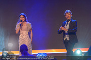Ronald McDonald Kinderhilfegala - Messe Wien - Fr 20.10.2017 - Thommy TEN, Amelie VAN TASS (The Clairvoyants) (B�hnenfoto)231