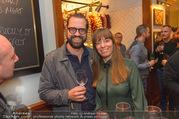Jamie Oliver Restaurantopening - Jamie´s - Mi 25.10.2017 - Gerald FLEISCHHACKER mit Freundin Tina HOLZER41