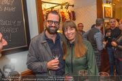 Jamie Oliver Restaurantopening - Jamie´s - Mi 25.10.2017 - Gerald FLEISCHHACKER mit Freundin Tina HOLZER42