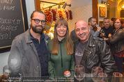 Jamie Oliver Restaurantopening - Jamie´s - Mi 25.10.2017 - Gerald FLEISCHHACKER mit Freundin Tina HOLZER, Christoph F�LBL43