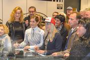 Winteropening - Nora Pure Sports - Sa 04.11.2017 - Elisabeth G�RGL, Eva-Maria BREM geben Autogramme8
