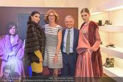Liska Modenschau - Liska - Di 07.11.2017 - Robert LISKA, Angela BAILLOU mit Models11