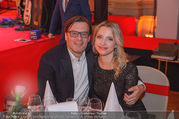 Life goes on Gala - Rathaus - Sa 11.11.2017 - Philipp WECK mit Freundin Yulija DEVYATOVA34