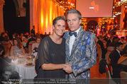 Life goes on Gala - Rathaus - Sa 11.11.2017 - Michaela DORFMEISTER, Alfons HAIDER44