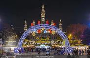 Rot-Kreuz Ball - Rathaus - Fr 17.11.2017 - Wiener Christkindlmarkt Rathausplatz, Adventmarkt39