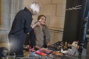 Lifeball Fotoshooting Netrebko - Conchita - Rathaus - Fr 17.11.2017 - Anna NETREBKO backstage beim Schminken4