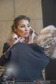 Lifeball Fotoshooting Netrebko - Conchita - Rathaus - Fr 17.11.2017 - Anna NETREBKO backstage beim Schminken6