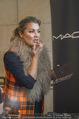 Lifeball Fotoshooting Netrebko - Conchita - Rathaus - Fr 17.11.2017 - Anna NETREBKO backstage beim Schminken8