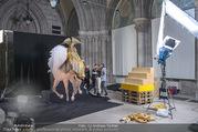 Lifeball Fotoshooting Netrebko - Conchita - Rathaus - Fr 17.11.2017 - Anna NETREBKO am Set25