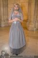 Lifeball Fotoshooting Netrebko - Conchita - Rathaus - Fr 17.11.2017 - Conchita (WURST, Tom NEUWIRTH) als Nonne mit Kreuz49