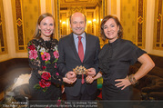 Swarovski Tiara für Opernball 2018 - Staatsoper - Di 21.11.2017 - Maria GRO�BAUER GROSSBAUER, Dominique MEYER, Birgit BERTHOLD-KR18