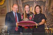 Swarovski Tiara für Opernball 2018 - Staatsoper - Di 21.11.2017 - Maria GRO�BAUER GROSSBAUER, Dominique MEYER, Birgit BERTHOLD-KR40