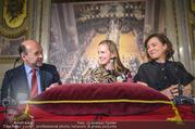 Swarovski Tiara für Opernball 2018 - Staatsoper - Di 21.11.2017 - Maria GRO�BAUER GROSSBAUER, Dominique MEYER, Birgit BERTHOLD-KR42