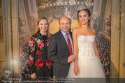 Swarovski Tiara für Opernball 2018 - Staatsoper - Di 21.11.2017 - Deb�dantin Cassandra, Dominique MEYER, Maria GROSSBAUER GRO�BA49
