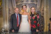 Swarovski Tiara für Opernball 2018 - Staatsoper - Di 21.11.2017 - Deb�dantin Cassandra, Dominique MEYER, Maria GROSSBAUER GRO�BA50