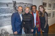 Manfred Baumann Mustangs - Naturhistorisches Museum NHM - Di 21.11.2017 - Roberto BLANCO mit Ehefrau Luzandra, Manfred und Nelly BAUMANN5