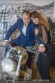 Manfred Baumann Mustangs - Naturhistorisches Museum NHM - Di 21.11.2017 - Manfred und Nelly BAUMANN auf Motorrad8