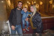 Manfred Baumann Mustangs - Naturhistorisches Museum NHM - Di 21.11.2017 - Familie Michael WAGNER mit Sohn Nino und Ehefrau28