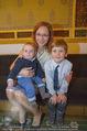Roman Svabek Buchpräsentation - Staatsoper - Di 28.11.2017 - Elisabeth SVABEK mit Sohn Gabriel und Leonhart7