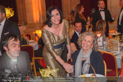 LOOK Woman of the Year Gala 2017 - Rathaus - Mi 29.11.2017 - Elisabeth K�STINGER, Inge UNZEITIG mit Sohn Kurt103