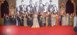 LOOK Woman of the Year Gala 2017 - Rathaus - Mi 29.11.2017 - Gruppenfoto, Schlussbild260