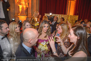LOOK Woman of the Year Gala 2017 - Rathaus - Mi 29.11.2017 - Elizabeth Liz HURLEY mit Fans, Selfies269