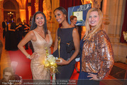 LOOK Woman of the Year Gala 2017 - Rathaus - Mi 29.11.2017 - Sara NURU, Nina Bambi BRUCKNER, Dany281