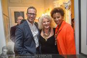 Marika Lichter X-Mas Cocktail - Privatwohnung Lichter - Di 12.12.2017 - Arabella KIESBAUER mit Ehemann Florens EBLINGER, Marika LICHTER19