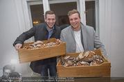 Weinachterl - Wine & Partners - Di 19.12.2017 - Georg �FFERL mit Cousin Lukas �FFERL (B�cker)1