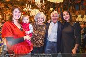 Sigi Bergmann 80er - Marchfelderhof - Do 04.01.2018 - Sigi BERGMANN mit Ehefrau Ingeborg und T�chtern Elisabeth und E49