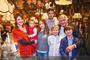 Sigi Bergmann 80er - Marchfelderhof - Do 04.01.2018 - Sigi BERGMANN mit Tochter Eva und Enkelkindern51