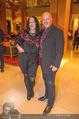 Schiller Neujahrscocktail - Hilton Vienna Hotel - Mo 08.01.2018 - Gary LUX mit Freundin3