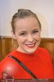 Kaffeesieder Cocktail - Cafe Hofburg - Di 09.01.2018 - Stephanie MEIER-STAUFFER (Missy May) (Portrait)1