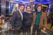 Life Guidance Kinopremiere - Gartenbaukino - Mi 10.01.2018 - Fritz KARL mit Sohn Aaron KARL, Elena UHLIG (schwanger)41