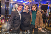 Life Guidance Kinopremiere - Gartenbaukino - Mi 10.01.2018 - Fritz KARL mit Sohn Aaron KARL, Elena UHLIG (schwanger)42